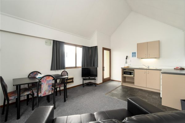 1-Bedroom-Unit-w-Kitchen33